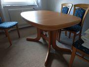 Esstisch und 4 Stühle in