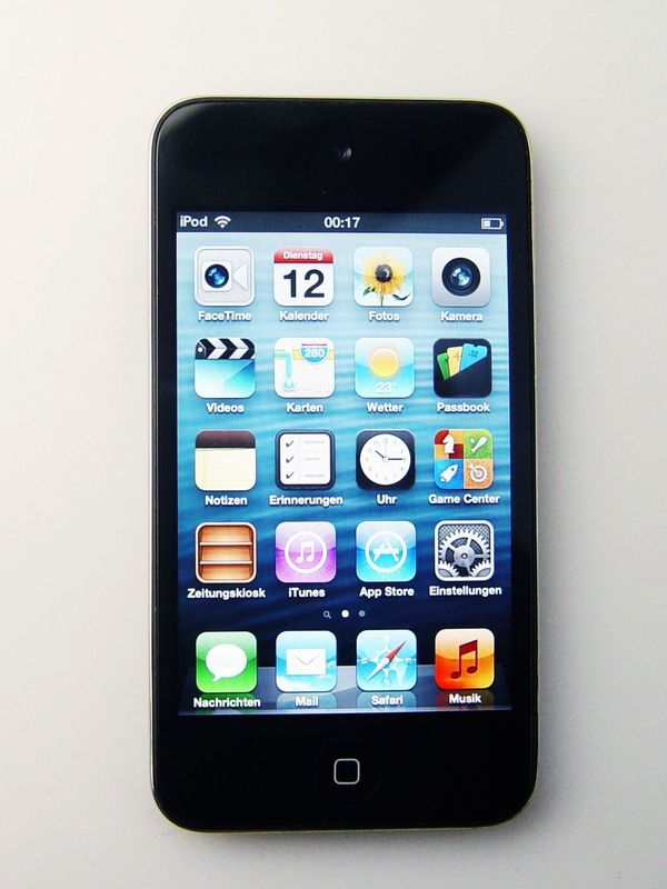 iPod Touch 4 - MP3 Player