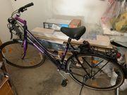 2 Fahrräder Damen