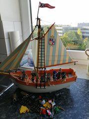Piratenschiff von Playmobil mit Zubehör