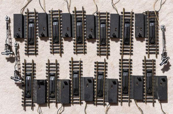 H0 FLEISCHMANN 5 elektr Wagenentkuppler