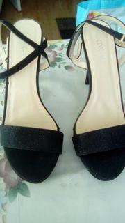 1 paar hohe sandaletten 1