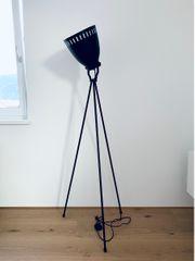 Stehlampe schwarz neuwertig