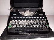 Alte Schreibmaschine der Firma Wanderer