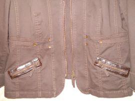 schicker brauner Jeans - Blazer Gr: Kleinanzeigen aus Wuppertal Dönberg - Rubrik Damenbekleidung