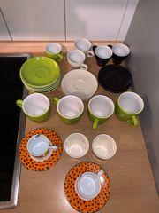Espresso und Kaffeetassen Teller