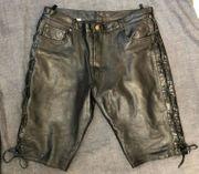 Kurze Schnürlederhose Bermuda Hose aus
