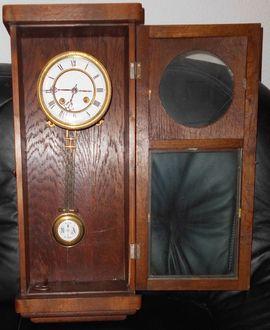 Uhren - Ca 100 Jahre alte Pendeluhr