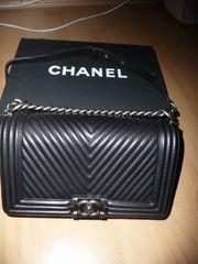 Chanel Boy Bag Chevron Tasche