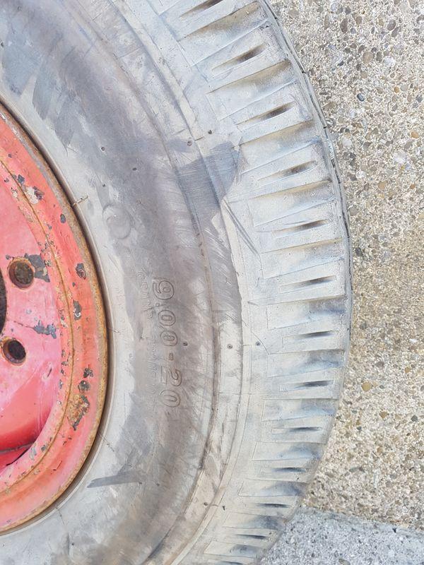 9 00 - 20 Reifen