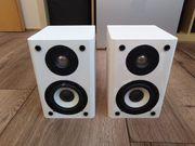 selbst gebaute weiße passive Lautsprecher