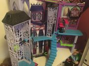 Puppenhaus Barbie Monster High Haus