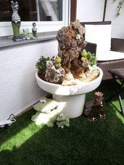 Grosser Keramik Brunnen