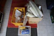 Partyequipment Becher Tassen Besteck Trinkhalme