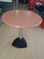 2 runde Tische