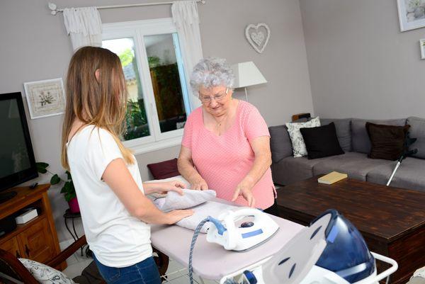 Wir bieten an Pflegekräfte Haushälterinnen
