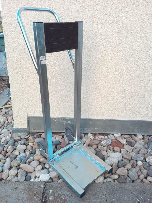 Ständer für Außenborder rollbar