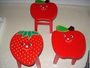 3 kleine Hocker Apfel Erdbeere
