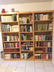 Bücherregal mi Bücher