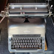 Alte Adler Schreibmaschine