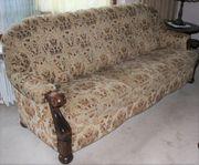 Sofa und Sessel gemustert