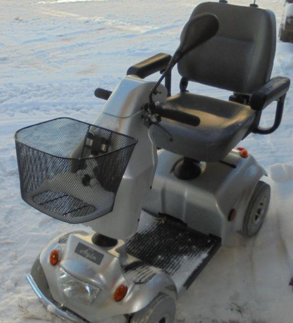 Elektromobil Agin Dietz