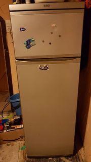 Verschenke einen Kühlschrank Gefrierkombination Gefrierschrank