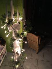 Wunderschönes Weihnachtsgesteck mit Beleuchtung im