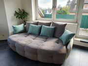 Gemütliches Sofa neuwertig