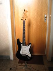 FERNANDES JAPAN 1977 The-Function STRAT