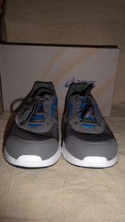 Asics Sneakers Größe