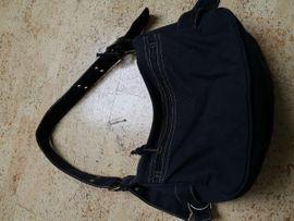 Damenhandtasche in schwarz: Kleinanzeigen aus Seubersdorf Ittelhofen - Rubrik Taschen, Koffer, Accessoires