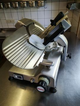 Aufschnittmaschine OMAS