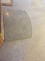 Glasplatte für den Kamin