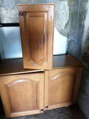 ältere Küchen-Hängeschränke zu verschenken