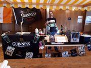 Frisch gezapftes Guinness auf deiner
