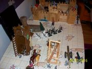 Ritterburg aus Holz mit viel