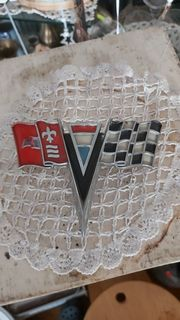 Chevy Corvette Emblem von 1963