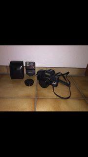 Canon T70 Spiegelreflexkamera inkl Blitzaufsatz