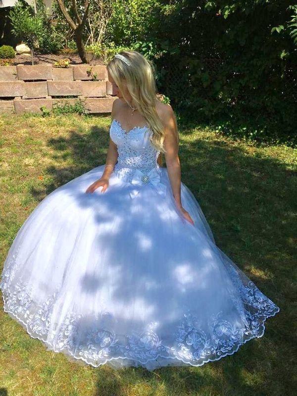 Prinzessinen-Brautkleid mit Spitze und Glitzer
