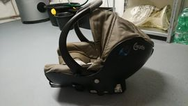 Bebe Comfort Creatis Babyschale Autositz: Kleinanzeigen aus Böchingen - Rubrik Autositze