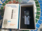 Digital Voice Recorder Digitales Diktiergerät