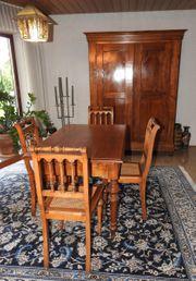 Wohnzimmer-Sitzgarnitur 1x Tisch 4x Stühle
