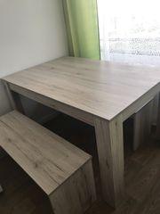 Tisch mit 2 Sitzbänke
