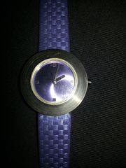 Damen-Quarz-Armbanduhr ungetragen DM ohne Krone