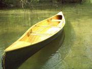 mehrere Kanus Kanadier Holz Kunststoff