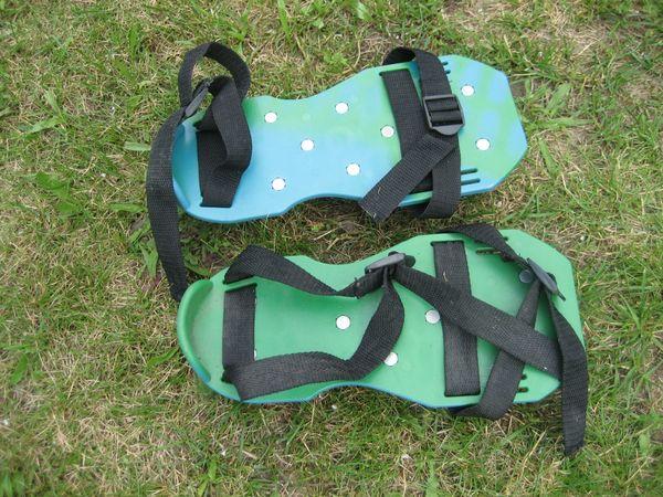Rasenbelüfter Sandalen Vertikutierer Rasenlüfter Nagelschuhe