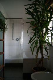 Zimmer mit eigenem Bad ab