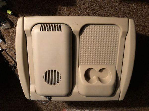 Auto Kühlschrank Kleinanzeigen : Auto kühlbox und warmhaltebox passend zu vw sharan in Ötigheim