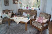 Wohnzimmer Coach Sessel und Tisch